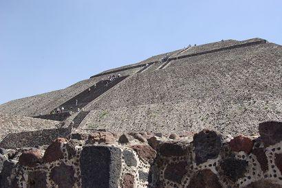 Pyramide Sonne